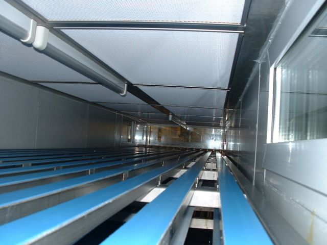Filling tunnel of  Pétri box under laminar air flow