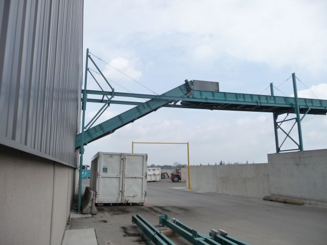 Overhead belt conveyor 15 meters high for tyres recycling
