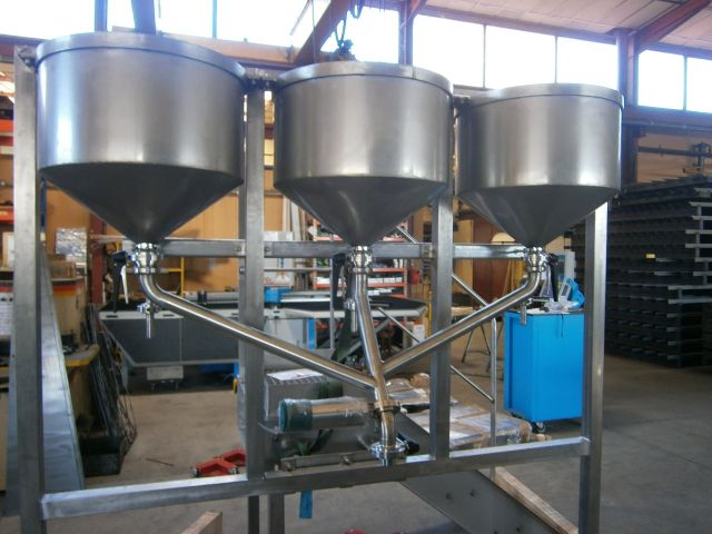 Dosing machines for sauces