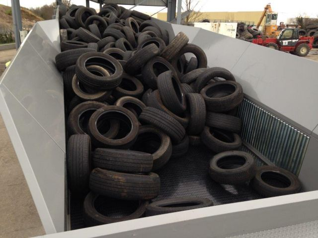 Bulk conveyor for Tyres