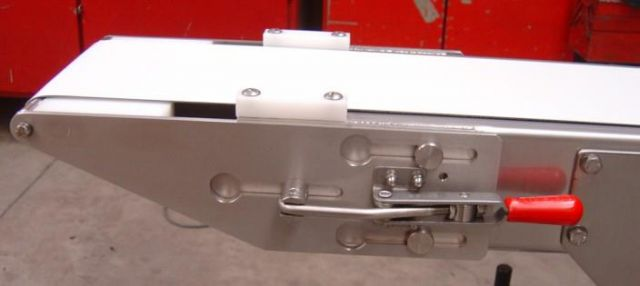 Quick-release of stainless steel conveyor